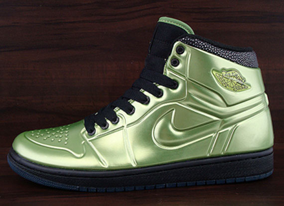 best website a77da b9a1c ... Nike retro Air Jordan Air Jordan 1 Anodized - Altitude Green Black ...