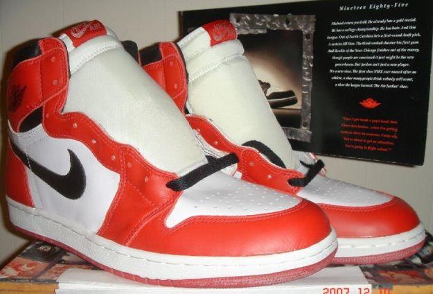 Air Jordan 1 1994 - White / Black - Red