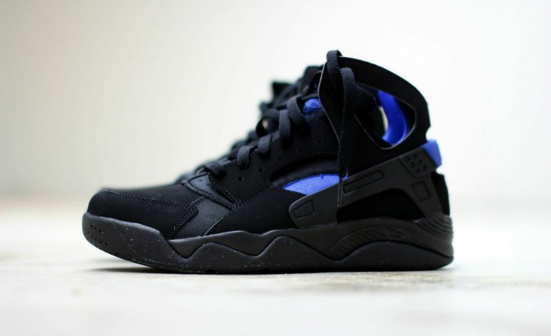 Nike Air Flight Huarache Black / Lyon Blue